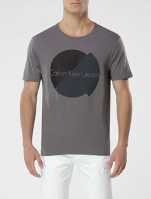CAMISETA-CALVIN-KLEIN-JEANS-LONGFIT-LOGO-BICOLOR-GRAFITE