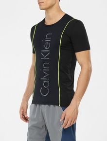 CAMISETA-CALVIN-KLEIN-ATHLETIC-RECORTES-E-VIVO-PRETO