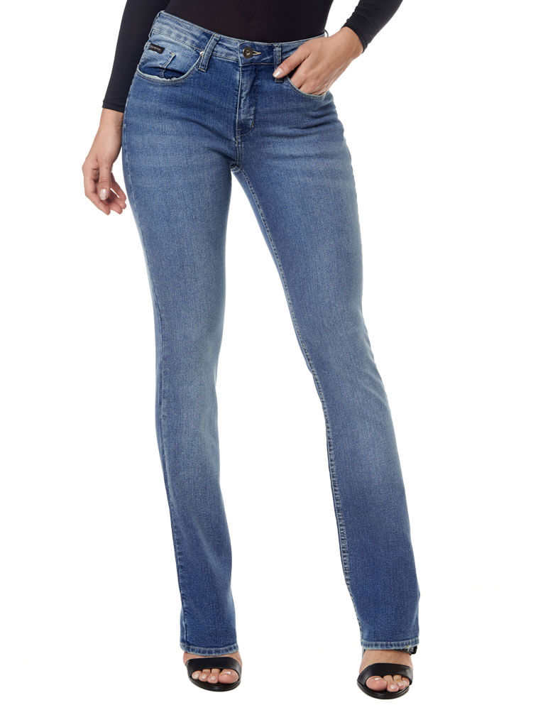 Calças jeans, calças flares, e muito mais. Compre Roupas Femininas Calvin  Klein Jeans na Dafiti Brasil. Frete grátis a partir de R  1990. f7603e445a