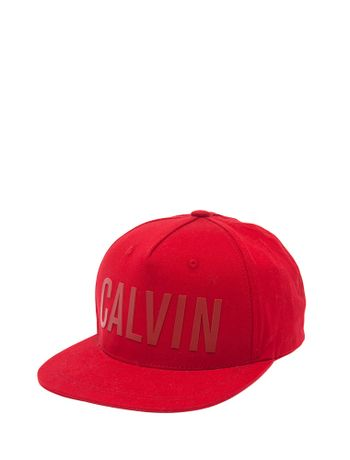 BONE-CALVIN-KLEIN-JEANS-LOGO-CALVIN-BOLD-RELEVO-VERMELHO