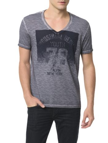 Camiseta-Calvin-Klein-Jeans-Estampa-Calvin-New-York-Chumbo