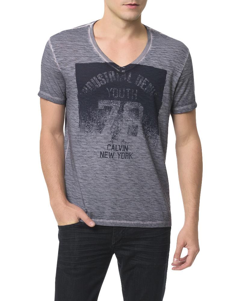 Camiseta Calvin Klein Jeans Estampa Calvin New York Chumbo - Calvin ... d1bc463693
