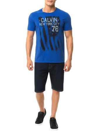 Camiseta-Calvin-Klein-Jeans-Estampa-Chorando-Bandeira-Azul-Carbono