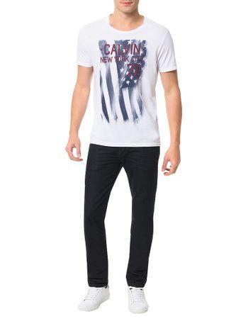 Camiseta-Calvin-Klein-Jeans-Estampa-Chorando-Bandeira-Branco