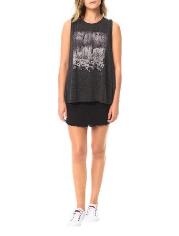 Blusa-Calvin-Klein-Jeans-Estampa-Frontal-e-Transpasse-Grafite