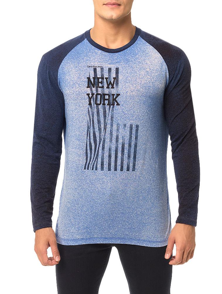 bf0a6afe8ad Camiseta Calvin Klein Jeans Estampa Bandeira Azul Carbono - Calvin Klein