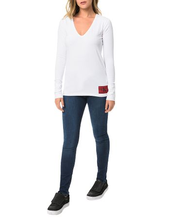 Blusa-Calvin-Klein-Jeans-Decote-V-e-Etiqueta-Na-Barra-Branco