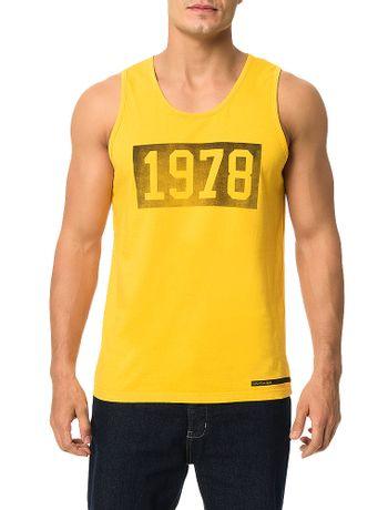 Regata-Calvin-Klein-Jeans-Estampa-Vintage-Quadrado-1978-Amarelo-Ouro