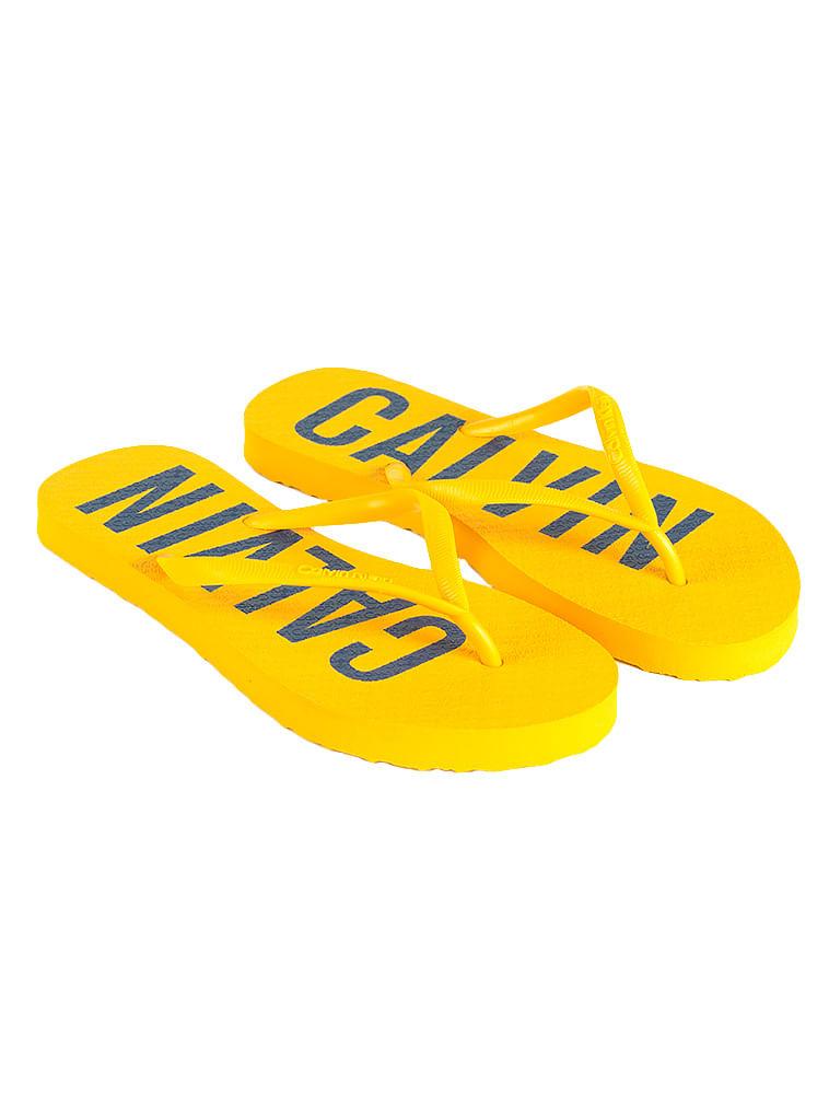 2ca3043d2c0e7 Chinelo Calvin Klein Jeans Calvin Bold Amarelo Ouro - Calvin Klein
