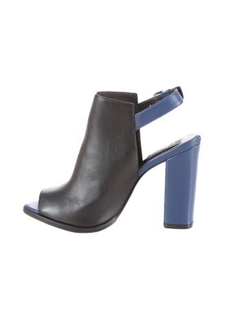 Sandalia-Boot-Calvin-Klein-Jeans-Couro-Bicolor-Azul-Carbono
