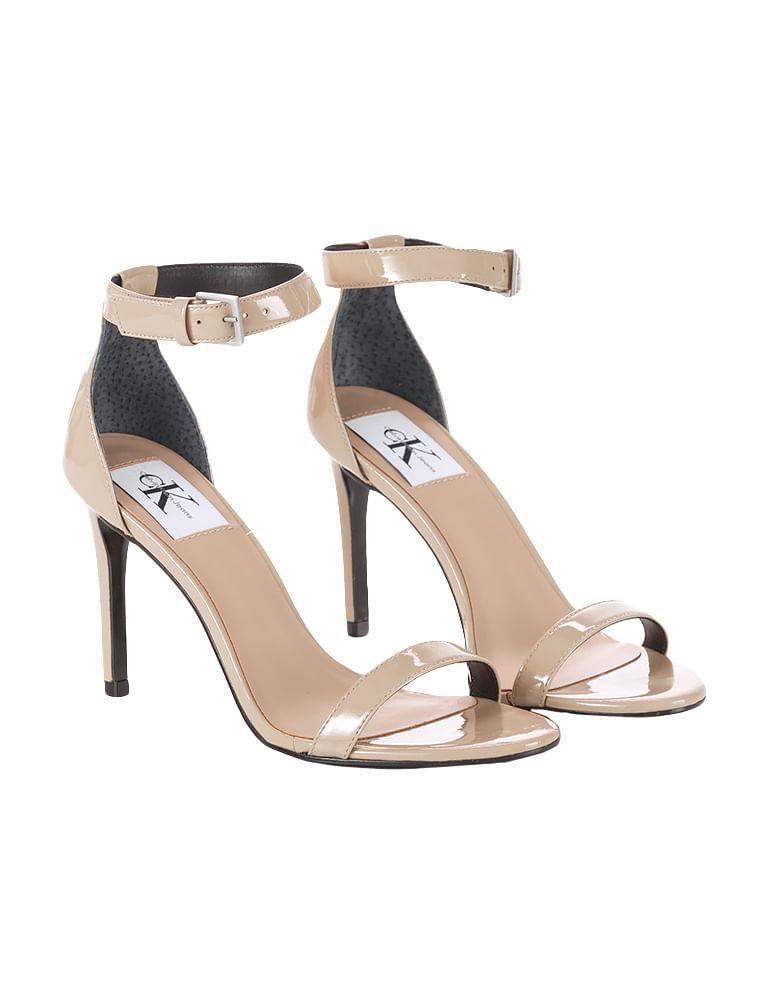 Sandália Tiras Calvin Klein Jeans Couro Verniz Caqui Claro - Calvin ... 63a94e363f
