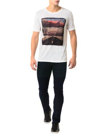 Camiseta-Calvin-Klein-Jeans-Estampa-Camurca-Chumbo