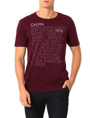 Camiseta-Calvin-Klein-Jeans-Estampa-Escritos-Bordo