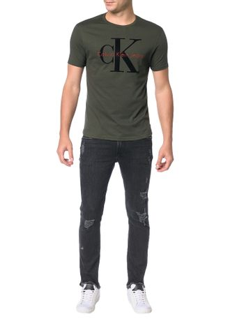 Camiseta-Calvin-Klein-Jeans-Estampa-Logo-CK-Relevo-Militar