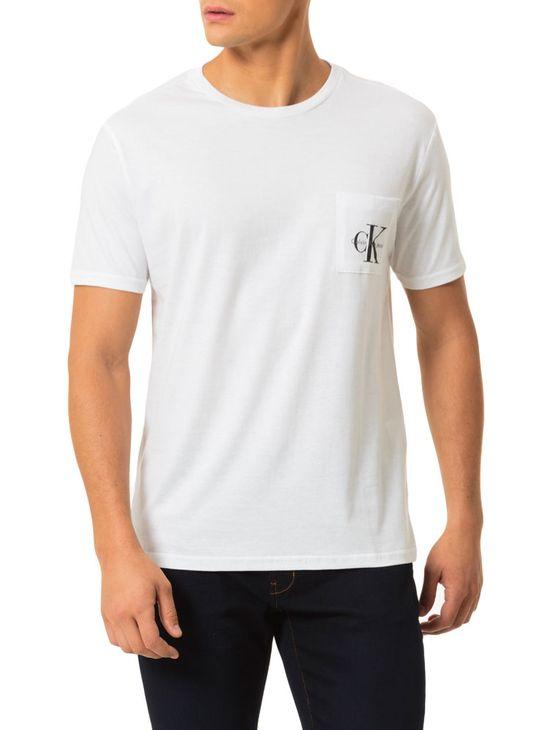Camiseta-Calvin-Klein-Jeans-Bolso-Logo-Branco