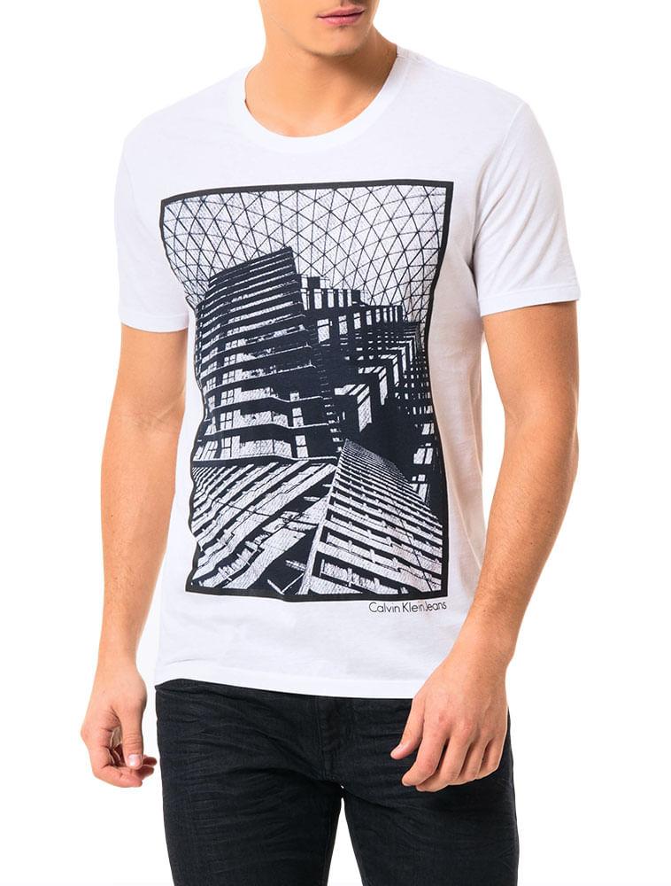 277dfdce25979 Camiseta Calvin Klein Jeans Estampa Corrosão Branco - Calvin Klein