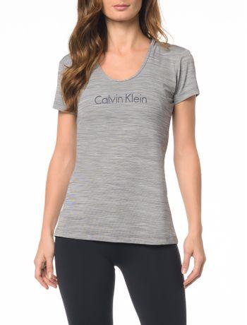 Moda Feminina  Camiseta Feminina, Vestido e mais - Calvin Klein 2f39f34fec