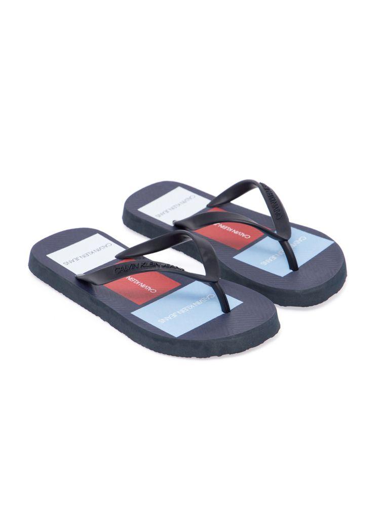 3ebf045ec Calvin Klein · Outlet · Acessórios · Calçados · Chinelo -Ckj-Masc-Patch---Azul-Escuro-