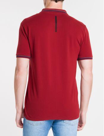 Polo-Ckj-Mc-Est-Logo-Re-Issue-O-No-Peito---Vermelho-Escuro