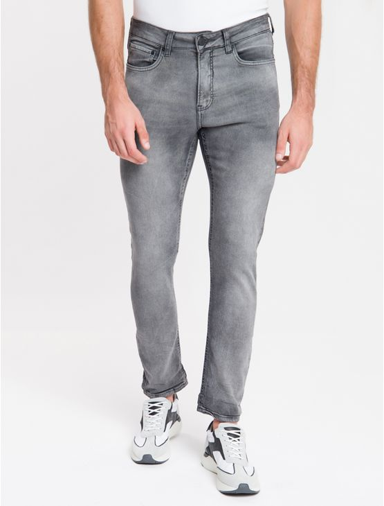 Calca-Jeans-Masculina-Five-Pockets-Athletic-Taper-Cintura-Baixa-Cinza-Medio-Calvin-Klein