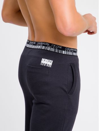 Calca-Masculina-CK-One-Barcode-Preta-Loungewear-Calvin-Klein